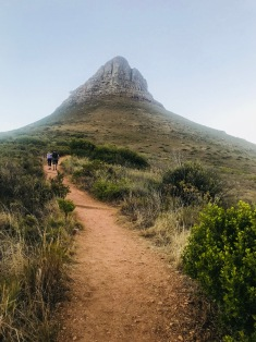 Hiking Lions Head from Signal Hill side