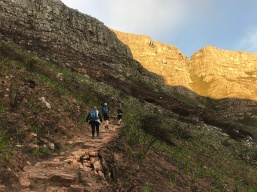 Zig-Zag path up to Oppelskop and Devils Peak